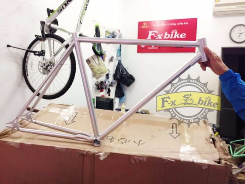 Khung Fixed Gear Trung Cấp Trắng