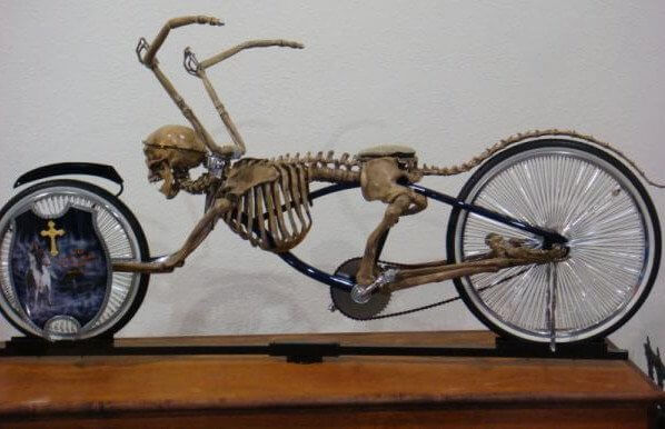 Chiếc xe theo phong cách Ghost (Bicycle) Rider.